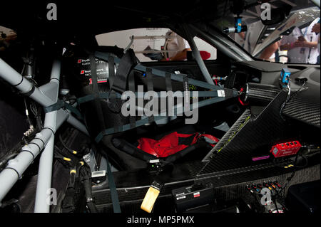 safety cage and safety net in Audi R8 race car | Sicherheitskäfig und Sicherheitsnetz in Audi R8 Rennwagen - Stock Photo