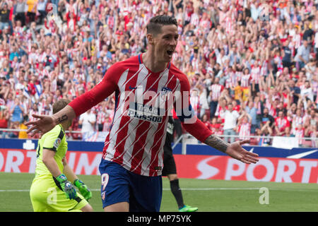 Madrid, Spain. 20th May 2018. Wanda Metropolitano stadium. Madrid. Spain. More than 68.000 people comes to see the 38th seasson of La Liga and the retire of Fernando Torres Idol of the club. The match confront Atletico de Madrid v Eibar S.D. In the image Fernando Torres celebrating his second goal. Credit: Jorge Gonzalez /Alamy Live News/Alamy Live News - Stock Photo