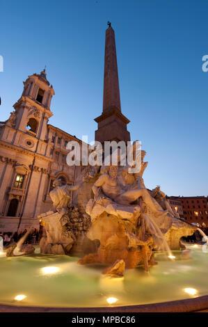Fontana di Quattro Fiumi, Piazza Navona, Rome, Lazio, Italy, Europe | Vierstroemebrunnen, von Gian Lorenzo Bernini, Piazza Navona, Rom, Latium, Italie - Stock Photo