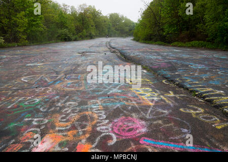 USA Pennsylvania PA Centralia An abandoned town and highway after a coal mine fire in 1962 - Stock Photo