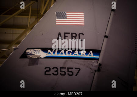 The 914th Airlift Wing, Air Force Reserve, here received their first KC-135R Stratotanker as part of their conversion to an air refueling wing, and was unveiled in a ceremony at the Niagara Falls Air Reserve Station, N.Y., Feb. 2, 2017. The ceremony saw the 914th AW commander, Col. Brian Bowman, address the media and those in attendance on the significance of their new mission. (U.S. Air National Guard photo by Staff Sgt. Ryan Campbell) - Stock Photo