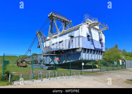 Bucyrus Erie BE 1150 Walking Dragline Excavator, known as Oddball at RSPB reserve St Aidan's near Leeds, West Yorkshire, England, UK. - Stock Photo
