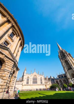 Radcliffe Camera, All Souls College, and University Church of St Mary the Virgin, Radcliffe Square, Oxford, Oxfordshire, England, UK, GB. - Stock Photo
