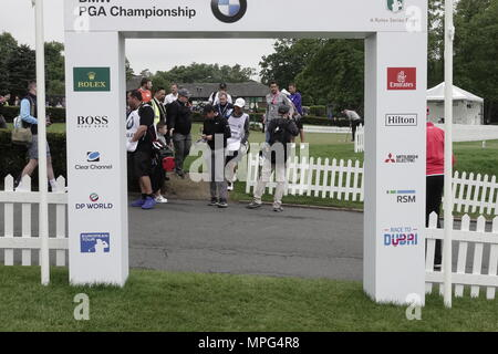 Wentworth, Surrey, UK., 23rd May, 2018  Rory McIlroy arrives on the first tee at the BMW.PGA ProAM golf Championship. Credit: Motofoto/Alamy Live News - Stock Photo
