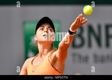 Paris, France. 23rd May, 2018. Margot Yerolymos of France serves to Lu Jiajing of China during the women's singles Qualification 1st round match of French Open in Paris, France on May 23, 2018. Margot Yerolymos won 2-0. Credit: Chen Yichen/Xinhua/Alamy Live News - Stock Photo