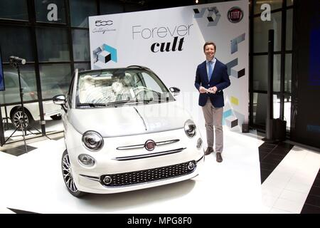 CEO of Fiat Chrysler Automobiles in Spain and Portugal, Victor Sarasola, presents the new Fiat 500 Collezione at Madrid Auto Show in Madrid, Spain, 23 May 2018. The Fiat 500 Collezione is available from 12,000 euros and has two different versions; sedan or convertible. EFE/ Javier Liano - Stock Photo