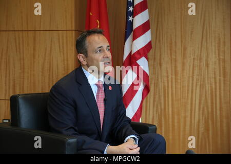 New York, USA. 22nd May, 2018. U.S. Kentucky Governor Matt Bevin receives an interview with Xinhua in New York, the United States, May 22, 2018. Matt Bevin expects his upcoming first visit to China will help boost the Bluegrass State's cooperation with the rising economic powerhouse. Credit: Zhang Mocheng/Xinhua/Alamy Live News - Stock Photo