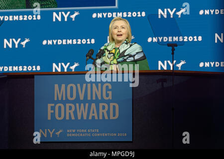 Hempstead, New York, USA. 23rd May, 2018. HILLARY CLINTON delivers Keynote Address during Day 1 of New York State Democratic Convention, held at Hofstra University on Long Island. Clinton, the former First Lady and NYS Senator, endorsed the re-election of Gov. A. Cuomo for a third term, and mentioned how Hofstra was the site of her first 2016 debate with Trump. Credit: Ann Parry/ZUMA Wire/Alamy Live News - Stock Photo