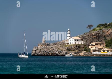 Leuchtturm Far de Bufador und  Far de sa Creu, Port de Soller, Mallorca, Balearen, Spanien  |  lighthouse Far de Bufador and  Far de sa Creu, Port de  - Stock Photo