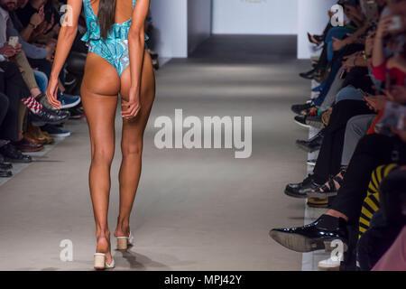 Models walk runway for Athens Fashion Week - Stock Photo
