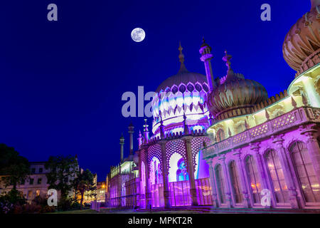 Royal pavilion Brighton at twilight. - Stock Photo