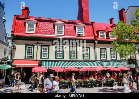 Quebec City Canada Upper Town Rue Sainte Anne Le Relais De La Place D'armes restaurant alfresco dining - Stock Photo