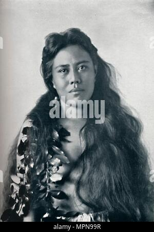 A Hula dancer, Honolulu, Hawaii, 1902. Artist: Unknown. - Stock Photo