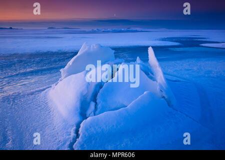 Frosty winter morning by the Oslofjord at Larkollen in Rygge, Øsytfold, Norway. - Stock Photo
