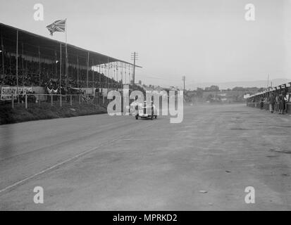 MG C type Midget of Cyril Paul and Riley of Edgar Maclure, RAC TT Race, Ards Circuit, Belfast, 1932. Artist: Bill Brunell. - Stock Photo