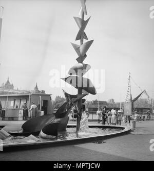 'Water Mobile', sculpture by Richard Huws, Festival of Britain, South Bank, Lambeth, London, 1951. Artist: MW Parry. - Stock Photo