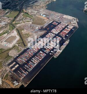 Container Terminal, Western Avenue, Southampton, Hampshire, 1987. Artist: Aerofilms. - Stock Photo