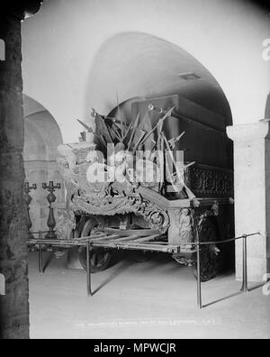 Duke of Wellington's funeral carriage, St Paul's Cathedral, City of London, c1870-c1900. Artist: York & Son. - Stock Photo