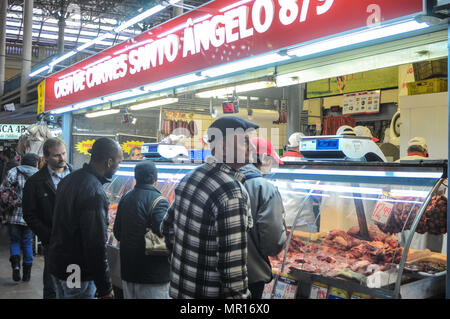 Porto Alegre, Brazil. 25th May, 2018. Products are already missing in some markets in Porto Alegre and the public market. Logists say they have stock for another 2 weeks. Credit: Omar de Oliveira/FotoArena/Alamy Live News - Stock Photo