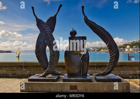 A artwork by Paul Dibble on the Wellington waterfront called 'Fruits of the garden'. - Stock Photo