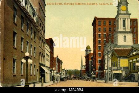 South Street with Masonic Temple, Auburn, New York, USA. Postcard circa 1920 - Stock Photo