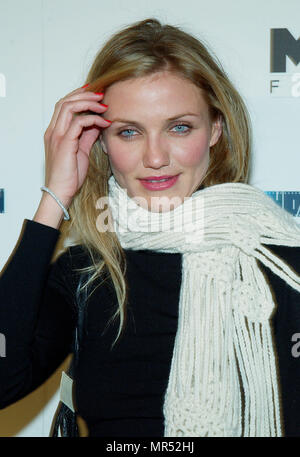 Cameron Diaz arriving at the L.A. Screening of: Gangs Of New York at the Director Guild Of America Theatre in Los Angeles. December 17, 2002. DiazCameron129 Red Carpet Event, Vertical, USA, Film Industry, Celebrities,  Photography, Bestof, Arts Culture and Entertainment, Topix Celebrities fashion /  Vertical, Best of, Event in Hollywood Life - California,  Red Carpet and backstage, USA, Film Industry, Celebrities,  movie celebrities, TV celebrities, Music celebrities, Photography, Bestof, Arts Culture and Entertainment,  Topix, headshot, vertical, one person,, from the year , 2002, inquiry tsu - Stock Photo