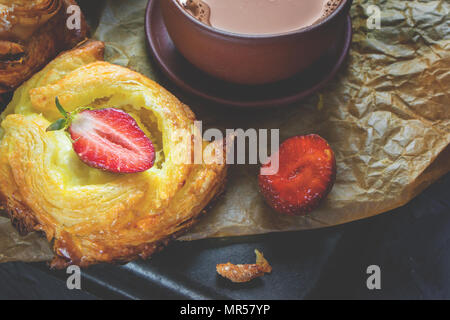 Packs puff pastry of cheese, home-European. Home making buns for tea. Close -up - Stock Photo