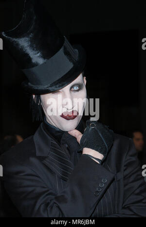Marilyn Manson arriving at the premiere of 'Enter The Matrix' a  groundbreaking Animeted Short. February 4, 2003MansonMa10rilyn Red Carpet Event, Vertical, USA, Film Industry, Celebrities,  Photography, Bestof, Arts Culture and Entertainment, Topix Celebrities fashion /  Vertical, Best of, Event in Hollywood Life - California,  Red Carpet and backstage, USA, Film Industry, Celebrities,  movie celebrities, TV celebrities, Music celebrities, Photography, Bestof, Arts Culture and Entertainment,  Topix, headshot, vertical, one person,, from the year , 2002, inquiry tsuni@Gamma-USA.com - Stock Photo
