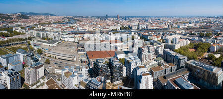 Lyon (south-eastern France). 2017/09/29. Overview of the city with buildings and houses of the 7th arrondissement (district) in the foreground, distri - Stock Photo