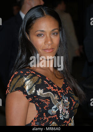 Jada Pinkett arriving at the premiere of 'Enter The Matrix' a groundbreaking Animeted Short. February 4, 2003PinkettJada23 Red Carpet Event, Vertical, USA, Film Industry, Celebrities,  Photography, Bestof, Arts Culture and Entertainment, Topix Celebrities fashion /  Vertical, Best of, Event in Hollywood Life - California,  Red Carpet and backstage, USA, Film Industry, Celebrities,  movie celebrities, TV celebrities, Music celebrities, Photography, Bestof, Arts Culture and Entertainment,  Topix, headshot, vertical, one person,, from the year , 2002, inquiry tsuni@Gamma-USA.com - Stock Photo