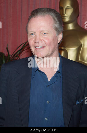 Nominee for Best Supporting Actor for 'Ali', Jon Voight arrives at the nominees luncheon for the 74th Annual Academy Awards at the Beverly Hilton Hotel in Beverly Hills, Ca., March 11, 2002.  VoightJon02A Red Carpet Event, Vertical, USA, Film Industry, Celebrities,  Photography, Bestof, Arts Culture and Entertainment, Topix Celebrities fashion /  Vertical, Best of, Event in Hollywood Life - California,  Red Carpet and backstage, USA, Film Industry, Celebrities,  movie celebrities, TV celebrities, Music celebrities, Photography, Bestof, Arts Culture and Entertainment,  Topix, headshot, vertical - Stock Photo
