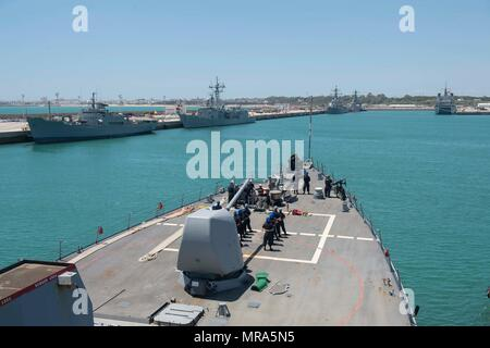 170530-N-FQ994-137  NAVAL STATION ROTA, Spain (May 30, 2017) The Arleigh Burke-class guided-missile destroyer USS Ross (DDG 71) arrives at Naval Station Rota, Spain. Ross, forward-deployed to Rota, is conducting naval operations in the U.S. 6th Fleet area of operations in support of U.S. national security interests in Europe and Africa. (U.S. Navy photo by Mass Communication Specialist 3rd Class Robert S. Price/Released) - Stock Photo