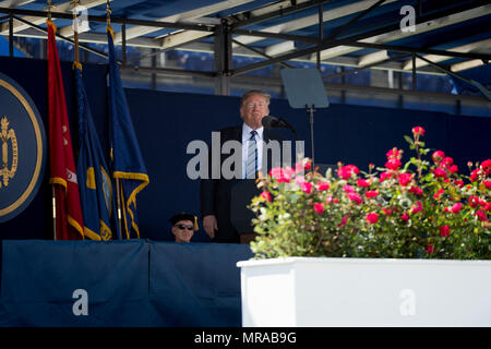 Maryland, USA. 25th May, 2018. May 25, 2018, Annapolis, Md. - Commencement at the United States Naval Academy. The President of the United States, Donald J. Trump, was the keynote speaker for the class of 2018. Credit: Michael Jordan/ZUMA Wire/Alamy Live News - Stock Photo