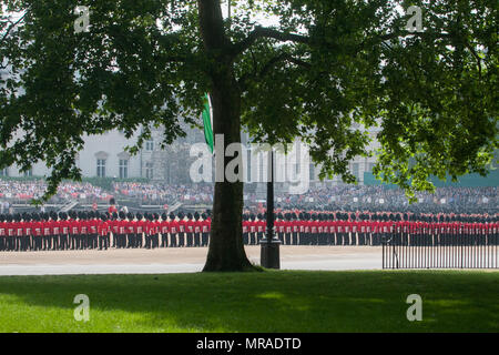 London UK. 26th May 2018. The Major General's Review, the first rehearsal for the Trooping the Colour parade on the Queen's official birthday is held in sweltering heat Credit: amer ghazzal/Alamy Live News - Stock Photo