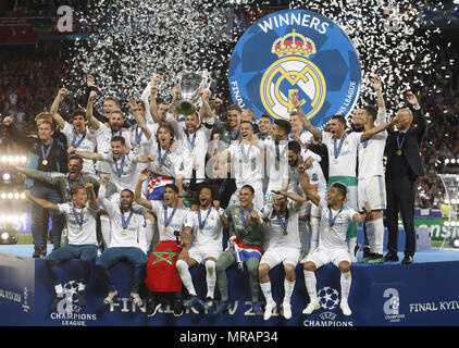 Kiev, Ukraine. 26th May, 2018. Real Madrid players celebrate with the trophy after winning the UEFA Champions League final soccer match Real Madrid vs Liverpool FC, at the NSC Olimpiyskiy stadium in Kiev on 26 May 2018. Credit: Serg Glovny/ZUMA Wire/Alamy Live News - Stock Photo