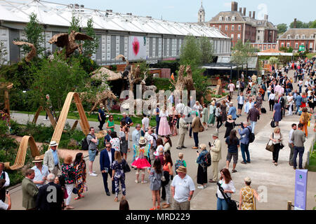 Main Avenue on Press Day, Chelsea Flower Show 2018 - Stock Photo