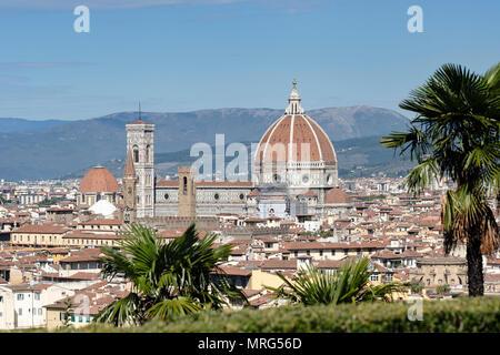 Florence cityscape showing the Cattedrale di Santa Maria del Fiore; Cupola del Brunelleachi; Campanile di Giotto; Florence; Tuscany; Italy; Europe; - Stock Photo