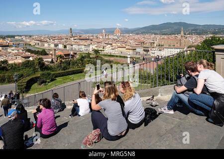 Florence cityscape from the Piazzale Michelangelo showing the Cattedrale di Santa Maria del Fiore; Cupola del Brunelleachi; Campanile di Giotto; Palaz - Stock Photo
