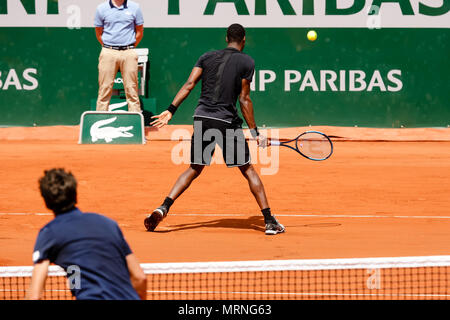 Paris, France. 27th May, 2018. Gael Monfils of France during his 1st round match at Day 1 at the 2018 French Open at Roland Garros. Credit: Frank Molter/Alamy Live News - Stock Photo
