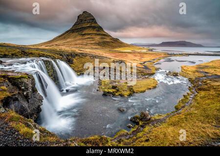 Grundafjordur, Snaefellsnes Peninsula, Western Iceland, Iceland. Kirkjufell mountain and Kirkjufellfoss waterfall - Stock Photo