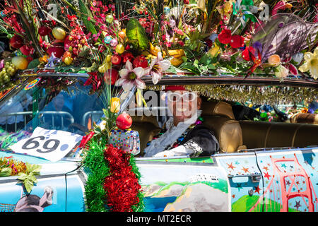 San Francisco, USA. 27th may 2018. Performer at the 2018 Carnaval Parade in San Francisco, California Credit: Tim Fleming/Alamy Live News - Stock Photo