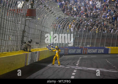 Concord, North Carolina, USA. 27th May, 2018. Kyle Busch (18) wins the Coca-Cola 600 at Charlotte Motor Speedway in Concord, North Carolina. Credit: Stephen A. Arce/ASP/ZUMA Wire/Alamy Live News - Stock Photo