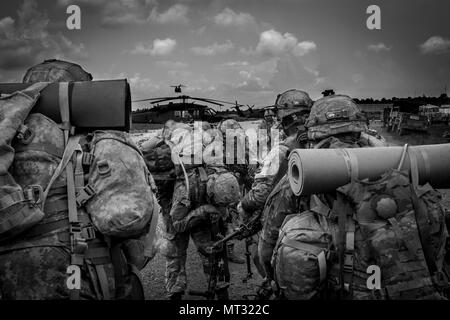 170723 Z PX072 511 Soldiers With Company B 1st Battalion 65th