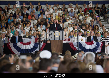 NORFOLK, Va. (July 22, 2017) – President Donald J. Trump delivers remarks during USS Gerald R. Ford's (CVN 78) commissioning ceremony at Naval Station Norfolk. Ford is the lead ship of the Ford-class aircraft carriers, and the first new U.S. aircraft carrier design in 40 years. (U.S. Navy photo by Mass Communication Specialist 3rd Class Gitte Schirrmacher) - Stock Photo