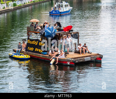 Germany,Berlin-Mitte, 27th May 2017. Anti AfD boat protest on the river Spree to counter nation-wide AfD demo.                                         - Stock Photo