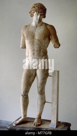 Antinous (Bithynium, Bithynia, c. 110-near Besa, Egypt, 130 BC). Bithynian Greek youth and a favourite or lover of the Roman emperor Hadrian. He was deified by the emperor after his death. Sculpture. Marble of Paros. 130-138 AD. Delphi Archaeological Museum, Greece. - Stock Photo