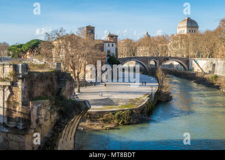 A sunny afternoon on the Tiberina Island in Rome, Italy. - Stock Photo