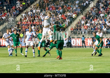 Chester, USA. 28th May 2018. Keaton Parks wins a header off of a corner kick Credit: Don Mennig/Alamy Live News - Stock Photo