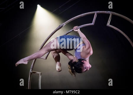 London, UK. 29th May 2018. Colombian Latin circus company 'Circolombia' brings visually stunning performance acts ahead of their headline run to The Underbelly Festival on the Southbank. Credit: Guy Corbishley/Alamy Live News - Stock Photo