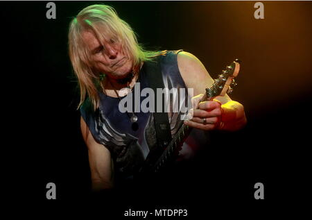 Moscow, Russia. 30th May, 2018. MOSCOW, RUSSIA - MAY 30, 2018: Guitarist Steve Morse of the English rock band Deep Purple performs during a concert at Moscow's Olimpiysky Sports Complex. Sergei Fadeichev/TASS Credit: ITAR-TASS News Agency/Alamy Live News - Stock Photo